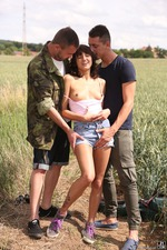 Outdoor Threesome 01