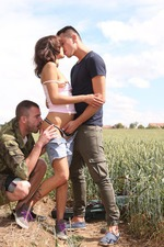 Outdoor Threesome 02
