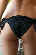 Bikini Strip 04