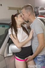 Rebecca And Simony Threesome In The Garage 00