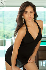 Thuane Marcelino Glamour Latin Beauty 00