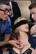 Julia Ann Threesome Sex 06