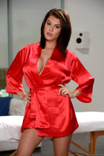 Big Boobed Peta Jensen Slips Out Of Her Robe 00