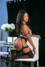 Anya Ivy Ebony Hotness 00