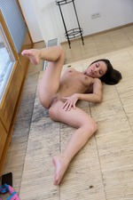 Anita Taking Hot Nude Selfies 01