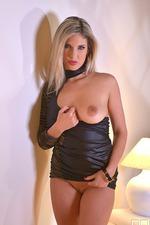 Eva Parcker Sexy Upskirt 02