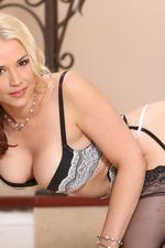 Sexy Blonde Sarah Vandella 06