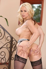 Sexy Blonde Sarah Vandella 16
