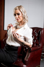 Hot Boss Kleio Valentien 01