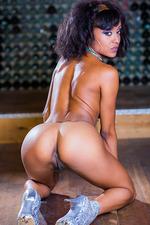 Alyssa Divine Sexy Round Tits 13