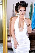 Eva Lovia - A La Mode 00