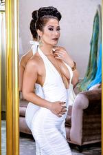 Eva Lovia - A La Mode 01