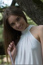 Stunning amateur Viviann 02