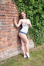 Victoria Roberts In Tiny Denim Shorts 06