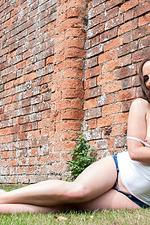 Victoria Roberts In Tiny Denim Shorts 20