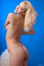 Beautiful Blonde Girl Alisa Posing Naked 08