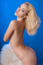 Beautiful Blonde Girl Alisa Posing Naked 12
