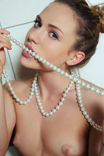 Nola A Beauty Pearl Teen 12