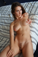 Glamour And Natural Elina Spreads Her Wet Pussy 02