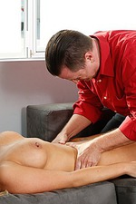 Olivia Austin Gets Hot Sex Massage 11