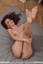 Sexy Hungarian Babe Fedra Poses Naked 09