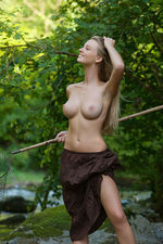 Carisha Gets Nude Outdoors 00