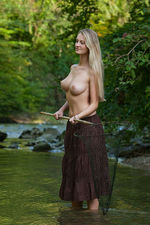 Carisha Gets Nude Outdoors 03