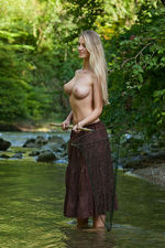 Carisha Gets Nude Outdoors 04