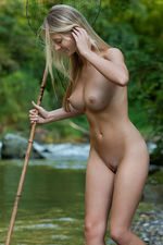 Carisha Gets Nude Outdoors 13