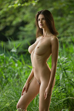 Jasmine Nude In The Lake 01