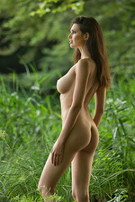 Jasmine Nude In The Lake 03