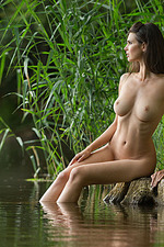 Jasmine Nude In The Lake 06