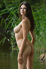 Jasmine Nude In The Lake 13