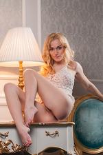 Sexy Blonde Vika Spreads Her Legs 02