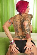 Sexy Tattooed Anna Bell Peaks 01