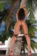 Renee Diaz Spreading Outdoors 04