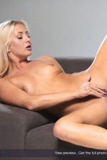 Naughty Cayla Lyons Plays With Her Wet Pussy 10