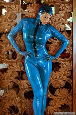 Bianca Kinky Rubber Blues 03
