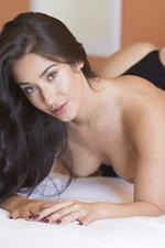 Beauty Eva Lovia Poses Naked 03