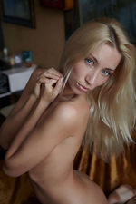 Teen Blonde Naked 14