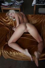 Teen Blonde Naked 17