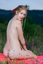 Erica Posing Nude Outdoors 08