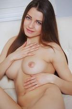 Sexy Brunette Teen Pandora 18