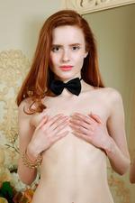 Beautiful Bella Milano is a born narcissist 02