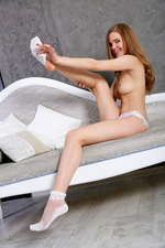 Sexy Russian Teen Carolina Sampaio In Erotic Art Pictures 04