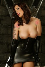 Nikki In Black Latex 00