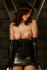 Nikki In Black Latex 02