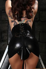 Nikki In Black Latex 06