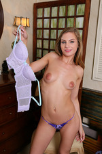 Sultry Teenie Sydney Cole 08