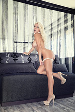 Marissa Everhart Sexy Playboy Babe 07